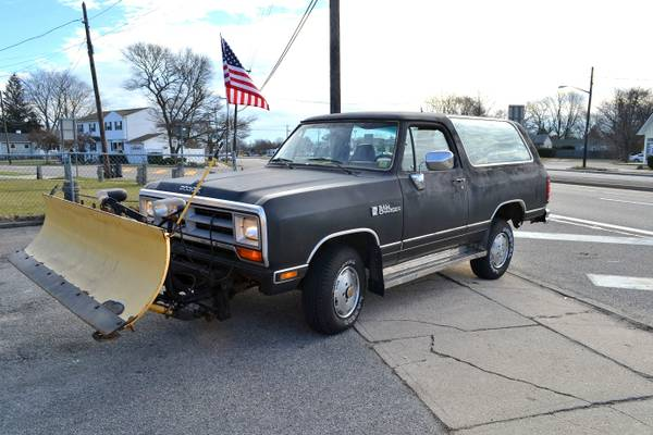 1989 Dodge Ramcharger 4WD For Sale in Suffolk NY