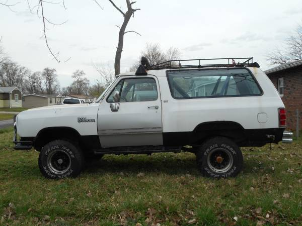 1993 dodge ramcharger for sale in granite city mo. Black Bedroom Furniture Sets. Home Design Ideas