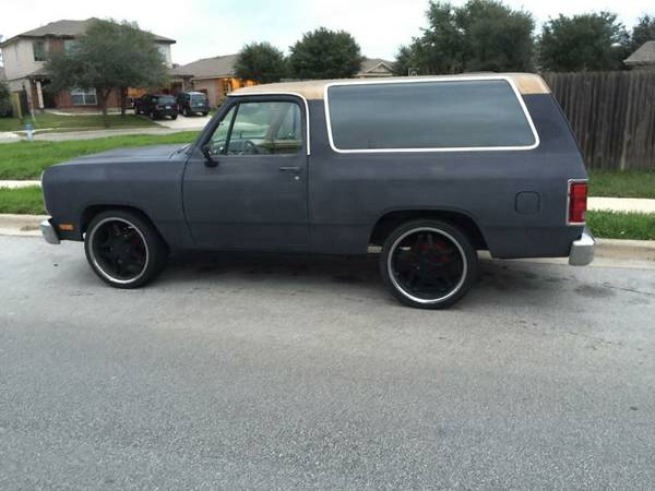 1987 Dodge Ramcharger 318 Auto For Sale in San Antonio, TX