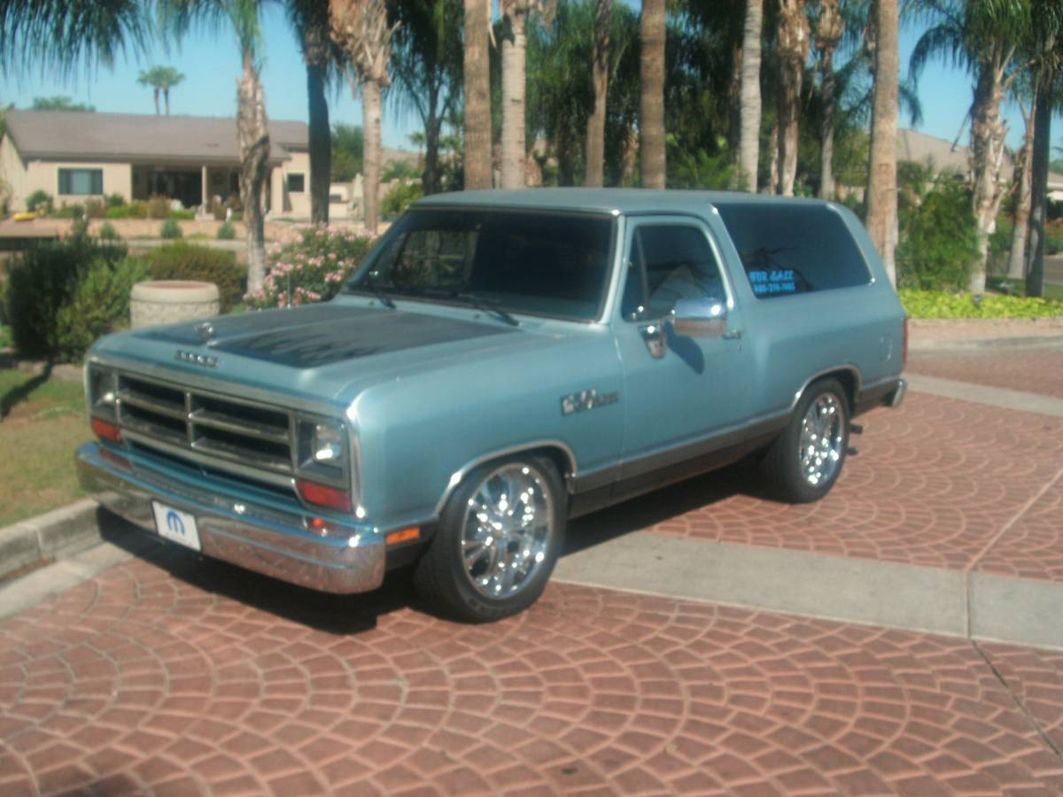 1989 Dodge Ramcharger V8 Automatic For Sale in Gilbert, AZ