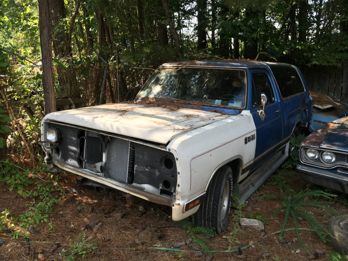 Parting Out 1990 Dodge Ramcharger - Items For Sale in ...