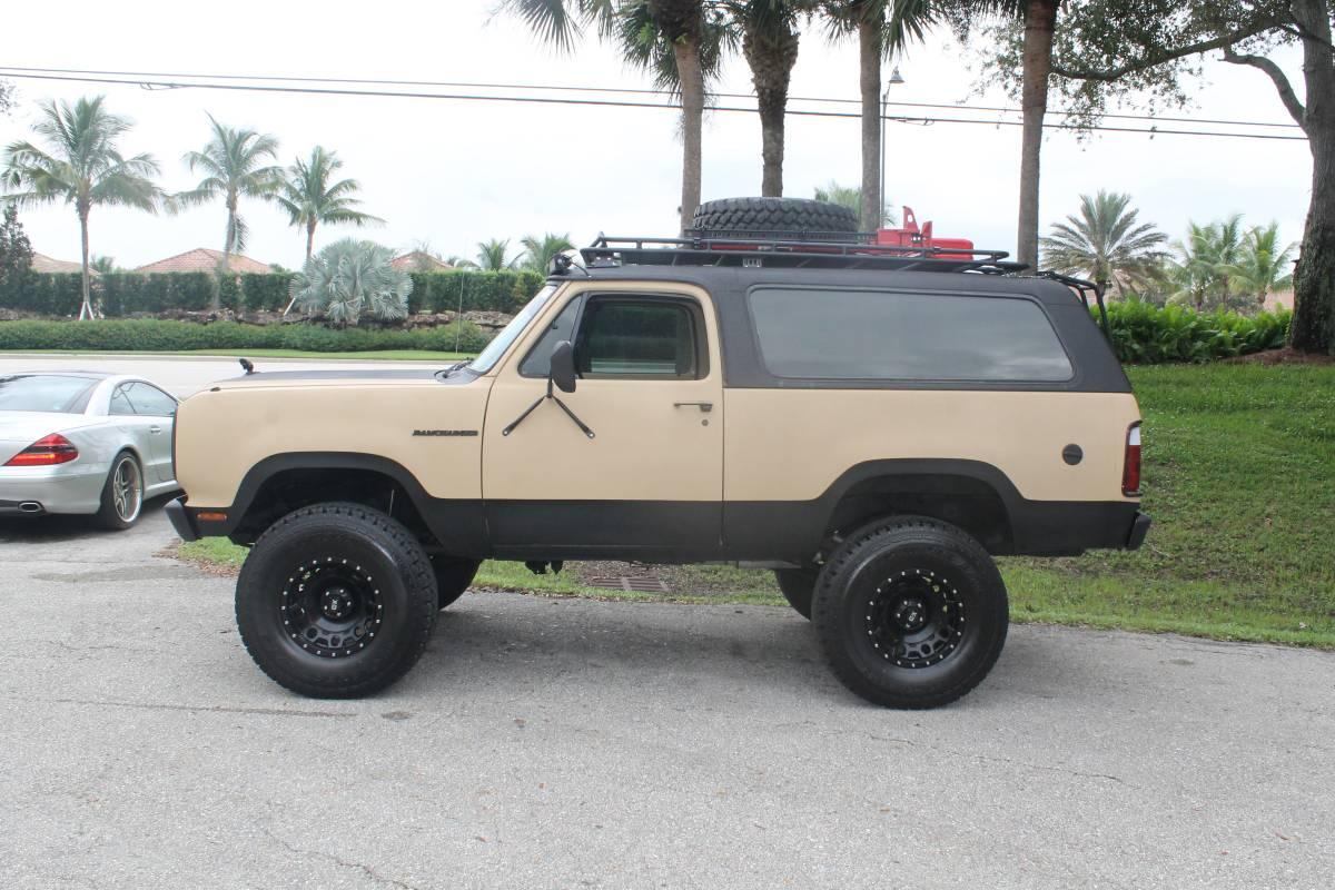 1978 Dodge Ramchager V8 4x4 Bonita For Sale in Springs, FL