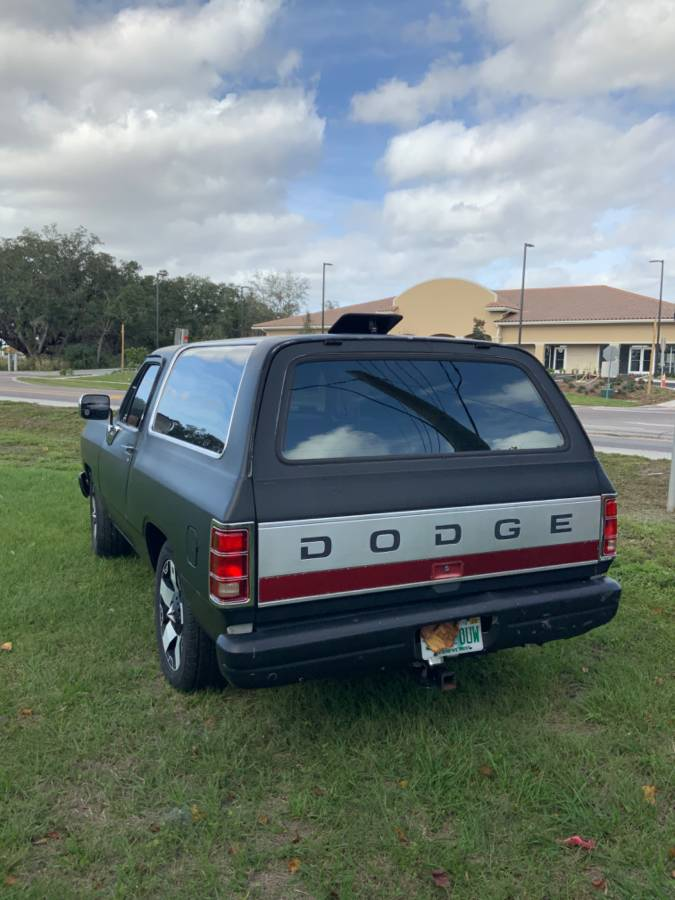 1992 Dodge Ramcharger 8cyl Automatic For Sale in St. Cloud, FL