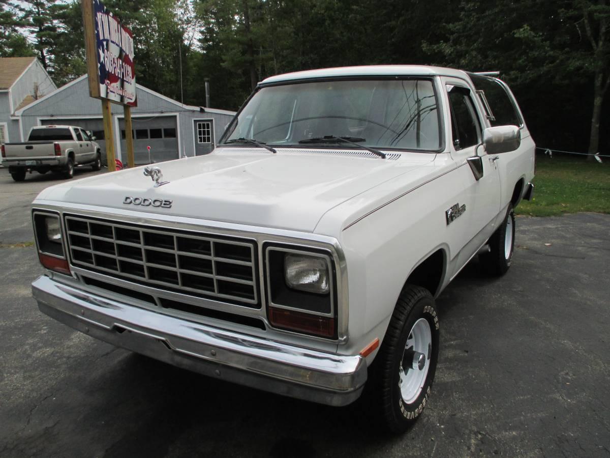 1983 Dodge Ramcharger 318 V8 For Sale in East Kingston, NH